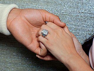 Kim-kardashian-ring-440x330