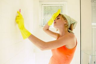 How-to-clean-walls