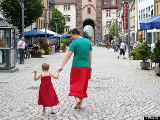 O-DAD-WEARS-SKIRT-WITH-SON-570