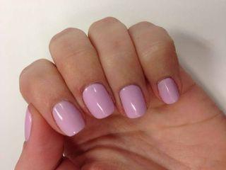 Shellac-Nail-Polish-Kit-With-Pale-Pink