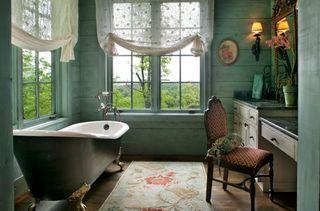 Vintage-Bathroom-with-Antique-Clawfoot-Bathtub