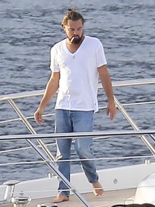 Leonardo-dicpario-kicks-yacht-07232014-18-420x560